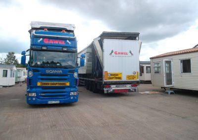 usługi transportowe ładunków standardowych
